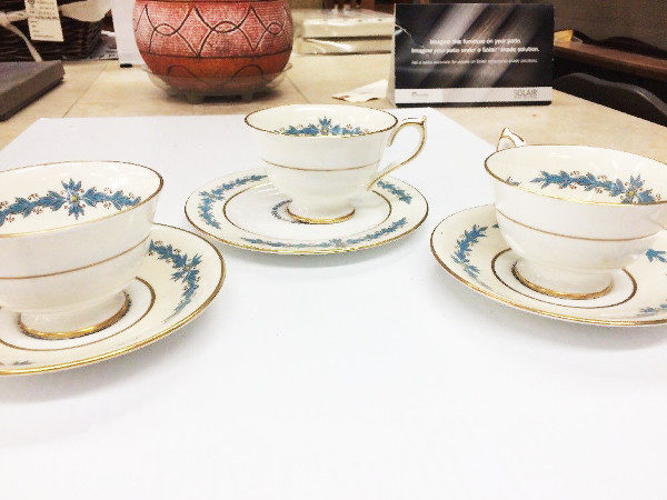 12 Piece Aynsley Fine Bone China Set