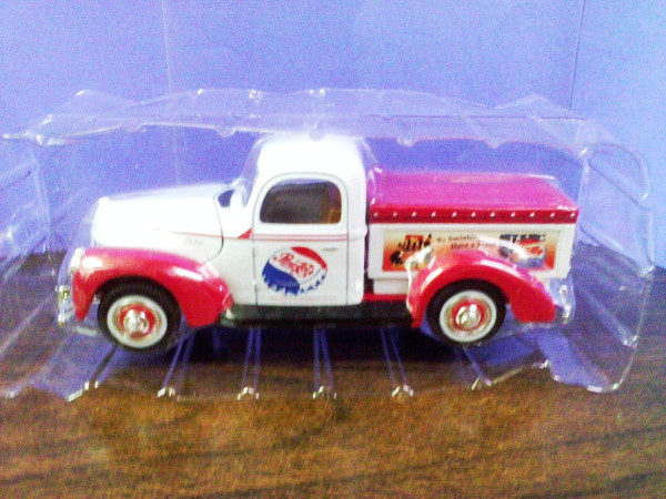 1940 Ford Pick Up Truck Pepsi-Cola Die-Cast Delivery Truck Mint