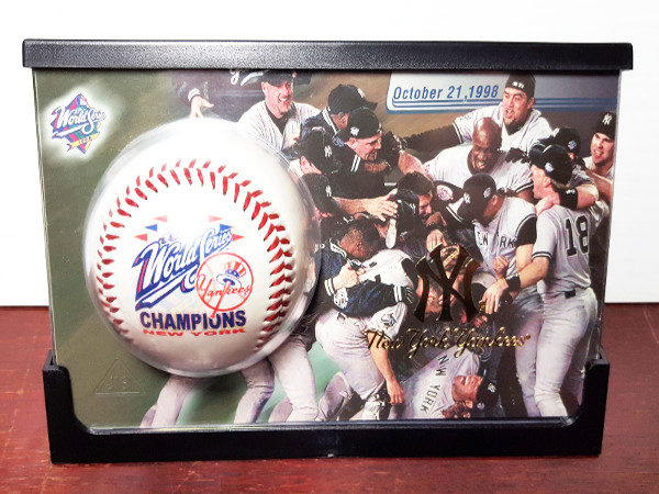 1998 World Series Champions New York Yankees 24K Gold Logo