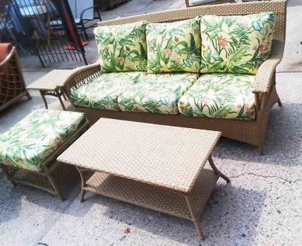4 Piece Outdoor Wicker Seating Group Sunbrella Fabric