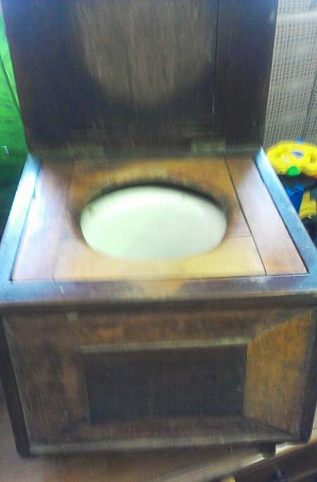 Antique Wooden Frame Porcelain Removable Bowl Potty With Wooden Lid