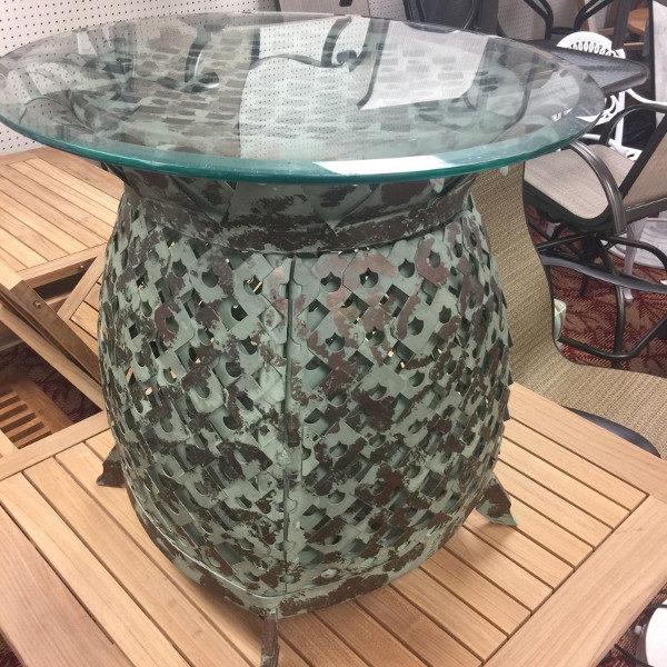 Lane Venture Aluminum Art Deco Pineapple End Table
